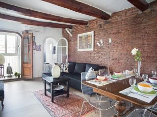 Charming & very cosy Atico excellent location, Barcelone