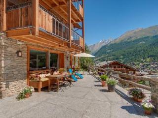 Unique hillside Chalet Ibron boasts spectacular views and 200m from the Matterhorn Express, Zermatt