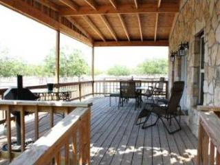 Hill Country Hideaway (The Rock House)