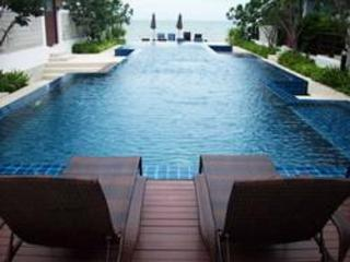Beachfront Condo 3 Bed/ 3 Bath in Hua Hin / Cha-am