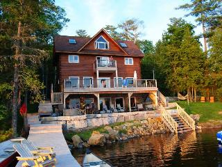 My Lakefront Cottage -  6 Bedroom Luxury Cottage, Kinmount