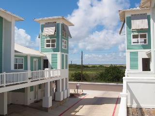 3 bedroom mult- level condo in the heart of Port Aransas!