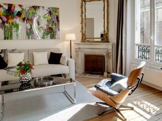 Apartment Paix Paris apartment 5th arrondissement, Paris flat short term rental,