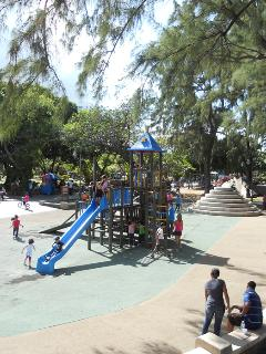 Muñoz Rivera park, one block from the property