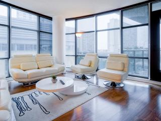 Toronto Luxury Exquisite Suite Balcony