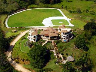 Golden Dolphin Mansion - Breathtaking Ocean View, Cabrera
