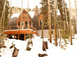 Blanche's Retreat - Secluded, private cabin