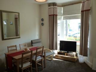 2bedroom luxury apartment (K) London