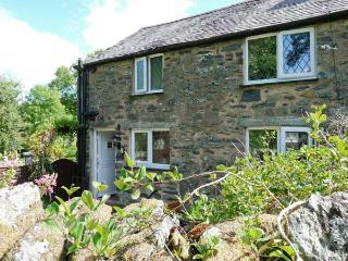 GLAN-Y-PORTH, 200 year old end-terraced cottage, original features, enclosed pat