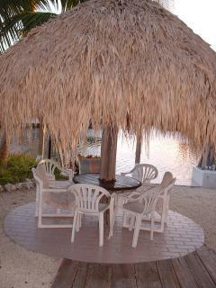 PRIVATE TIKI HUT and Boat Dockage