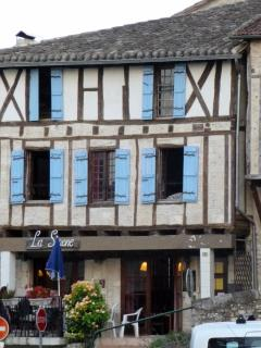 Amazing house outside Montaigu De Quercy - France