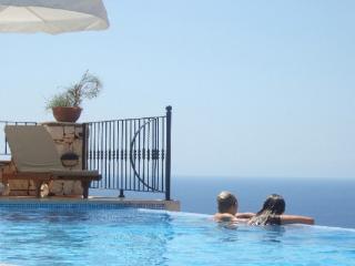(010HH) Luxury 6 Bed Amazing Villa
