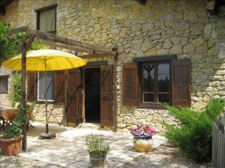 Tranquil Stone Country House With Spectacular Views of the Pyrenees