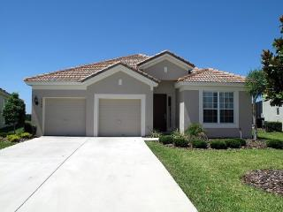 Windsor Hills - Pool Home 4BD/4BA - Sleeps 8 - Gold - E404, Kissimmee