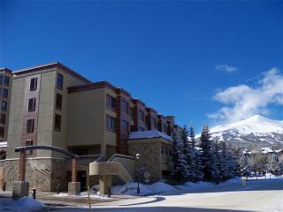 Beautiful Ski In/Out Studio Condo - Peak 9 Inn- Liftside 4416, Breckenridge