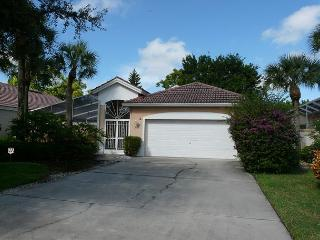 East Naples house w/ heated pool, close to beaches & restaurants, Nápoles