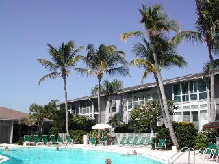 AVAILABLE FOR ANNUAL RENTAL- Siesta Key Gulf Side Condo- Peppertree Bay Condos