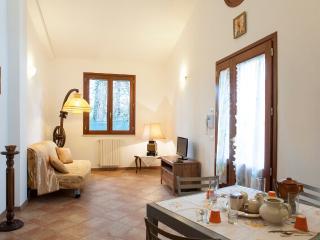 Beautiful 2 Bedroom House in Pisa, Italy, Marina di Pisa
