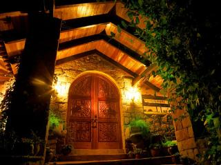 Cusco Villas Main Entrance Night View