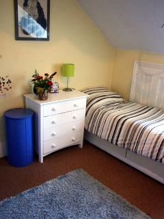 This is a single room on the top floor, it is a child's room but the mattress is very comfortable a