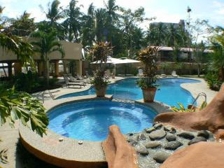 Beautiful 3 Bed. Villa with Beachfront Pool,  Jaco Beach, Costa Rica, Jacó