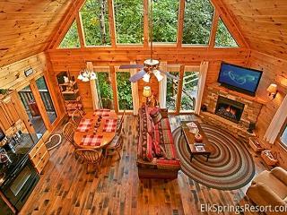 3 Bedroom Luxury cabin with Community Pool, Gatlinburg