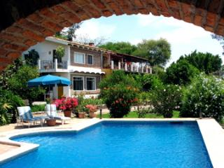 Share sunny Garden Suite with family or friends, Jocotepec