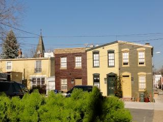 Carriage House - 3 blocks to Capitol, Washington DC
