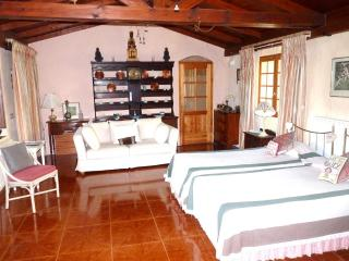 BEAUTIFUL APARTMENT - MOUNTAIN THERMAL SPA COMPLEX, Travesseres