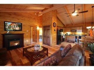 Catskill Region Vacation Log Home Rental, Margaretville