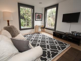 Beautiful garden apt. in sunny Inner Mission