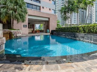 Luxury 3 bedroom Apartment on Posh Sukhumvit - your home away from home