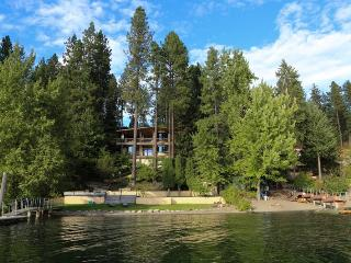 Bennett Bay Beach House - Huge Waterfront Home Minutes from Downtown CDA