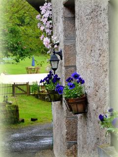 Les Fleurs entrance