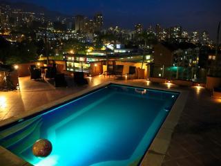 360 Degree MILLION $ PENTHOUSE, private POOL JACUZ, Medellín