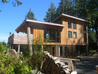 Lucky Eagle Guest Lodge, Tofino