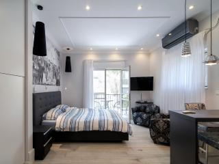Stylish Botique Studio in Rehavia, Jerusalem