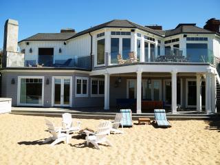Luxurious French Style  Beach House, Malibú