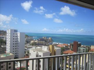 4 bedroom apartment with sea views