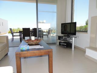 Chryshocou Bay Villa 11, Neo Chorion