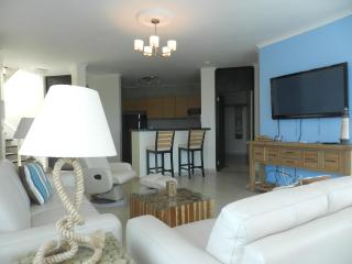 F1-12A, 12th Fl two level penthouse condo., Farallon