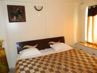 1 room in 3 bedroom Apartment at Hiranandani-Powai, Mumbai (Bombay)