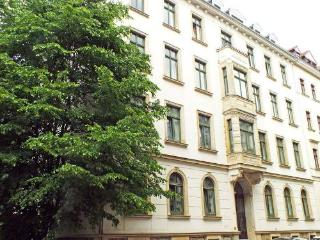 Vacation Apartment in Leipzig - 581 sqft, central, quiet, comfortable (# 4361)