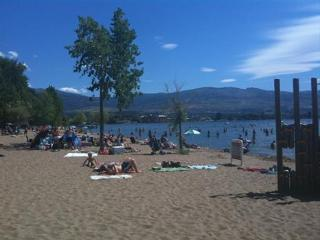 Boyce Gyro Beach Bed and Breakfast, Kelowna