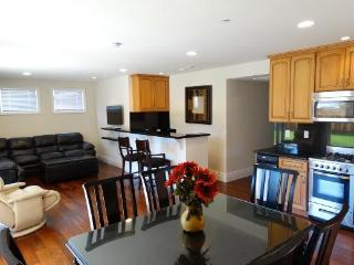 Santa Monica New 2BR 2BA $4500/Mos Like a House