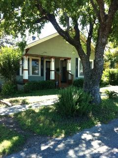 Charming 1920's 2/1 cottage minutes from downtown San Antonio