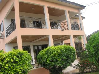GHouse -ideal for friends/family and corporate let, Accra