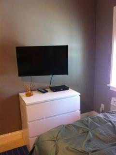 32' Flat screen SMART TV in Bed 1