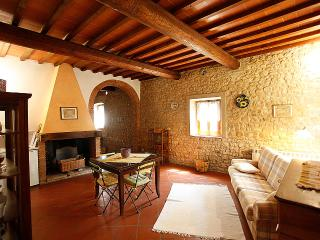 CHIARA- in Chianti farmhouse, with pool, San Casciano in Val di Pesa