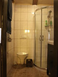 Bathroom Apartment 2